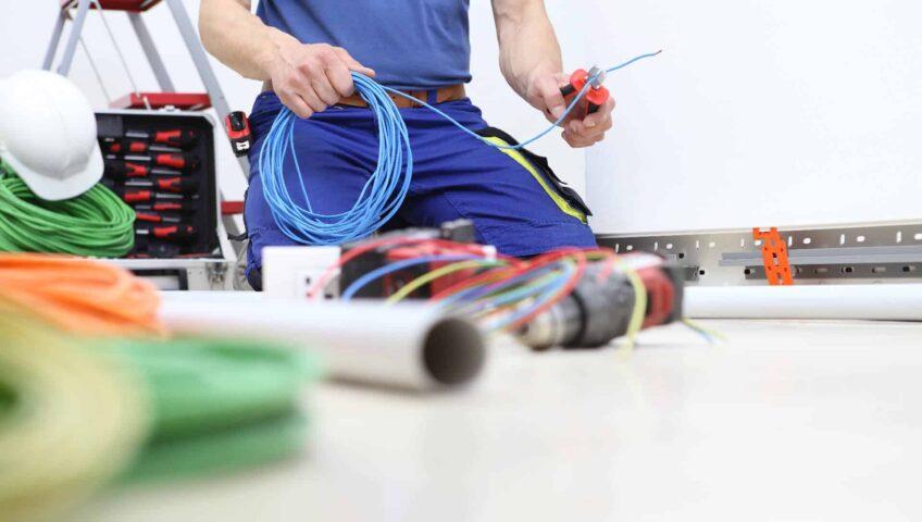 Electrician-preparing-cables